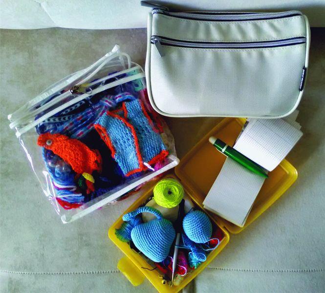 Инструменты для вязания крючком: сумочки и коробочки, жесткие и мягкие, прозрачные и непрозрачные - в них удобно хранить и брать с собой вязание крючком.