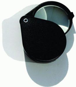 Инструменты для вязания крючком - портативное увеличительное стекло