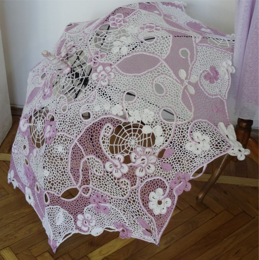 Зонт. Выполнен ирландским кружевом.