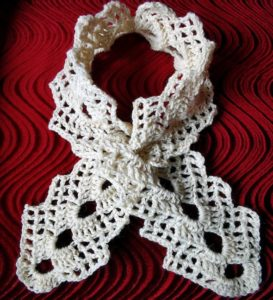 Ажурный шарф крючком.