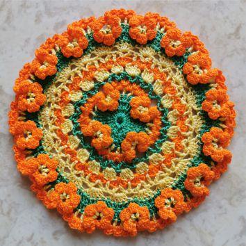 Салфетка с объемными цветами.