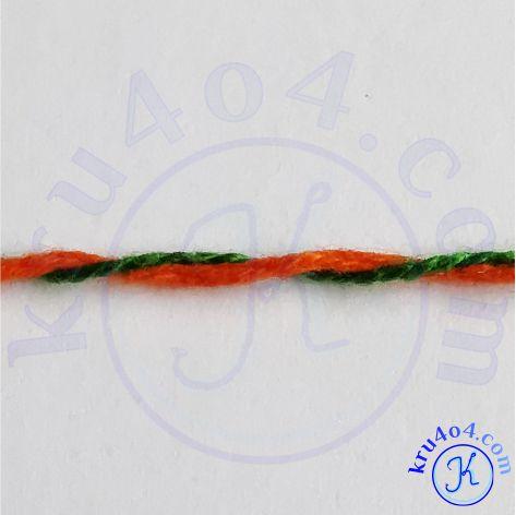 Скрученная нить для вязания кленового листа крючком.